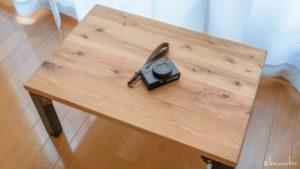 小物の撮影用に無垢材ミニテーブルを買いました